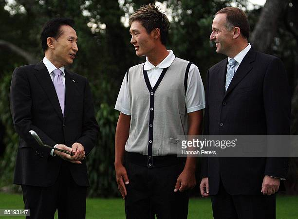 President of the Republic of Korea Lee Myungbak meets with Koreanborn New Zealand golfer Danny Lee and New Zealand Prime Minister John Key at...