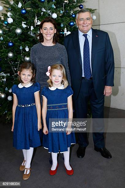 President of the 'Reve d'Enfants' Committee Valentine Denjoy her twins daughters and President of AROP JeanLouis Beffa attend the 'Reves d'Enfant'...