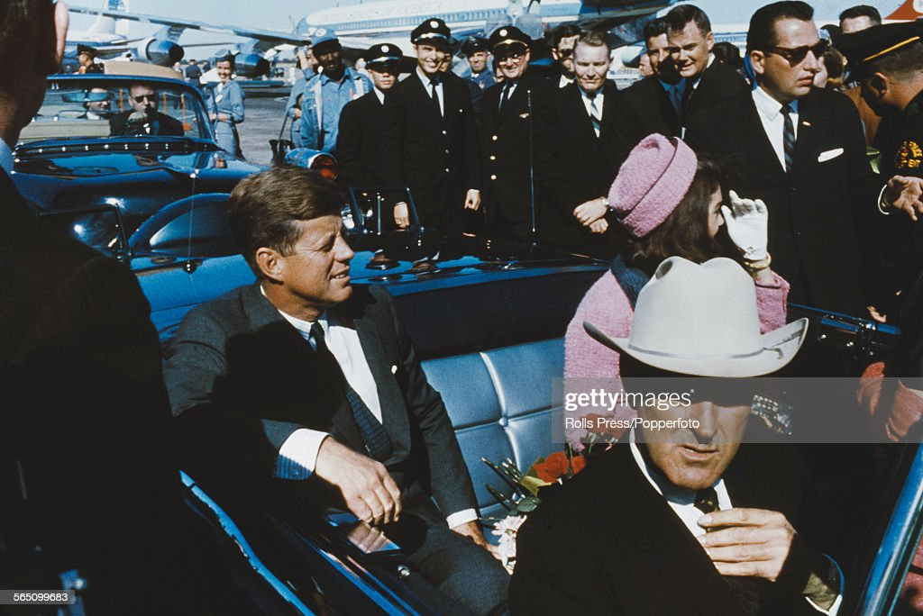 President Kennedy In Dallas : News Photo