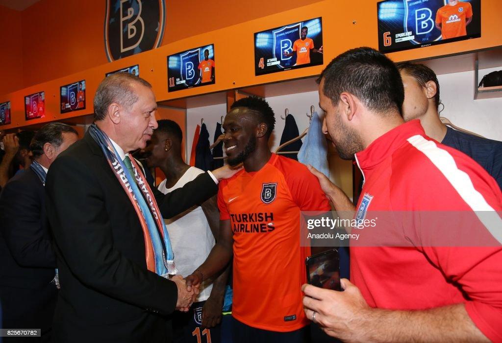 Medipol Basaksehir vs Club Brugge : UEFA Champions League Qualification : Fotografía de noticias