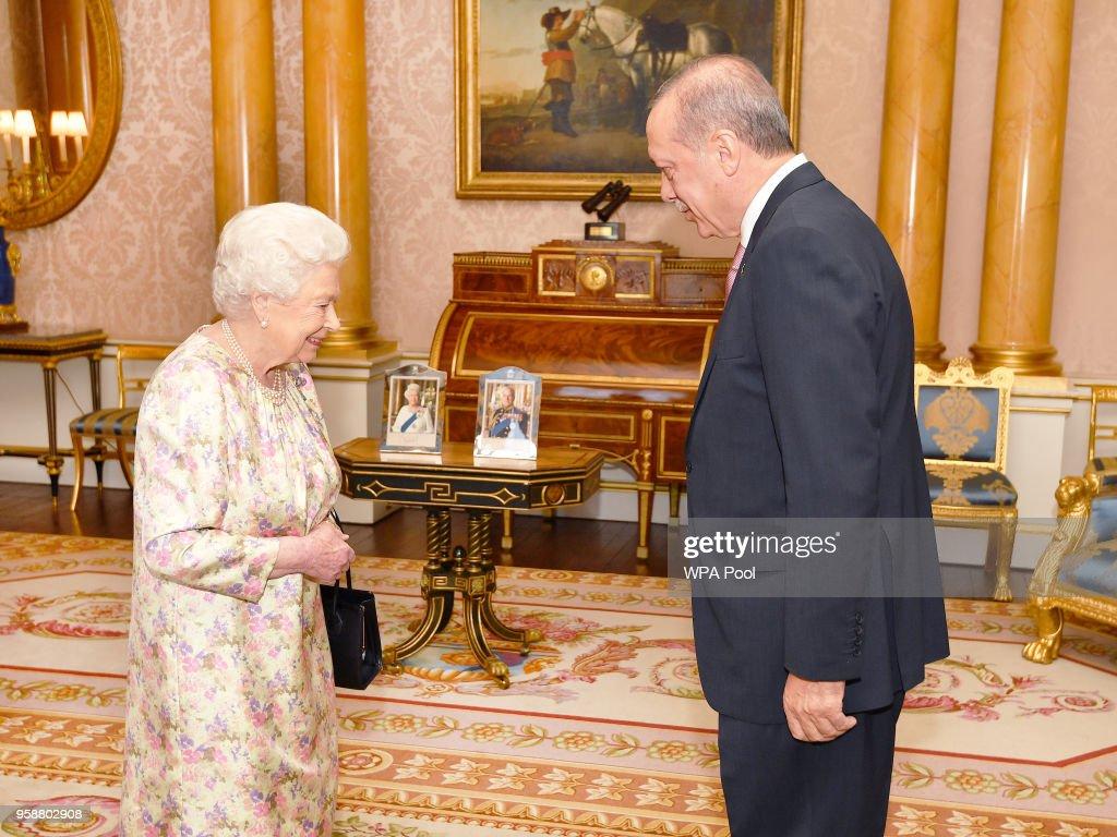 Recep Tayyip Erdogan Meets Queen Elizabeth II : ニュース写真