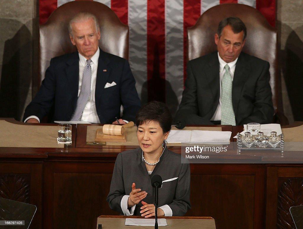 South Korean President Park Geun-hye Attends Joint Meeting Of US Congress : ニュース写真