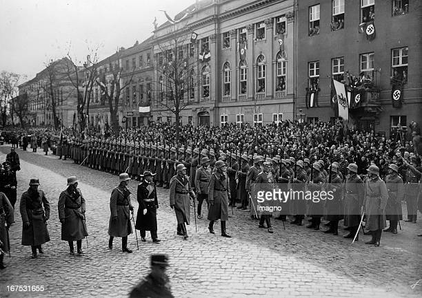 President Paul von Hindenburg at the inspection of a guard of honor at the Garnisonkirche/Potsdam March 21th 1933 Photograph Reichspräsident Paul von...