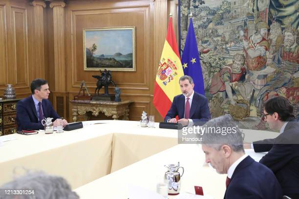 MADRID SPAIN MARCH 18 President Pedro Sanchez King Felipe VI of Spain Minister of Health Salvador Illa and Minister of Interior Fernando...