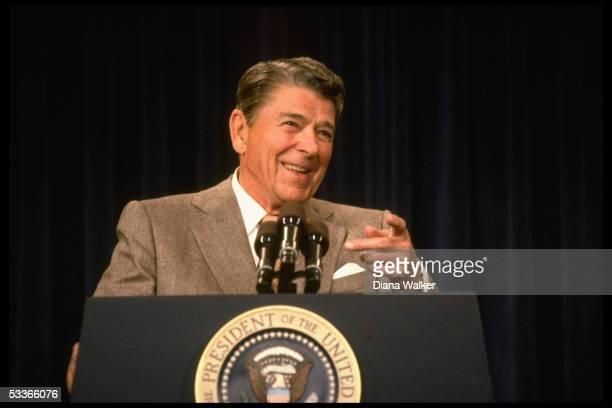 President Reagan speaking to Hispanic journalists