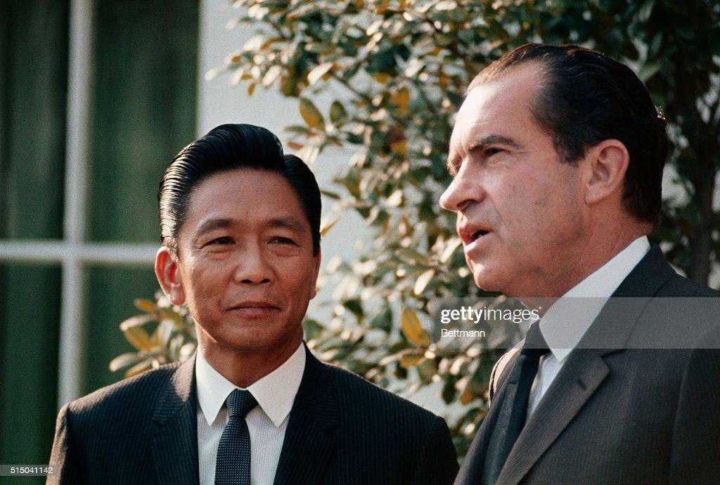 President Richard Nixon bids goodbye to Philippines