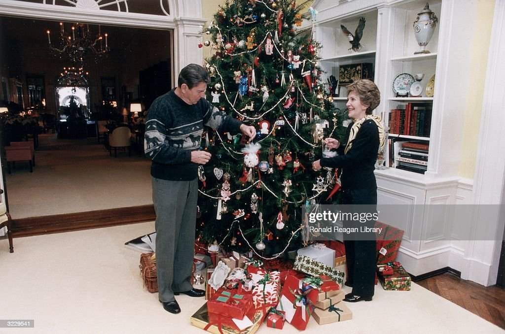 White House Christmas Tree, 1983 Pictures | Getty Images