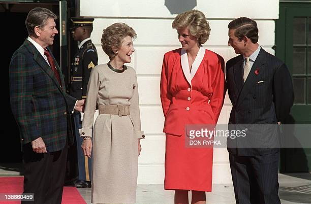 US President Ronald Reagan and his wife Nancy welcome 09 November 1985 in White House Washington DC Princess Diana and her husband Prince Charles The...