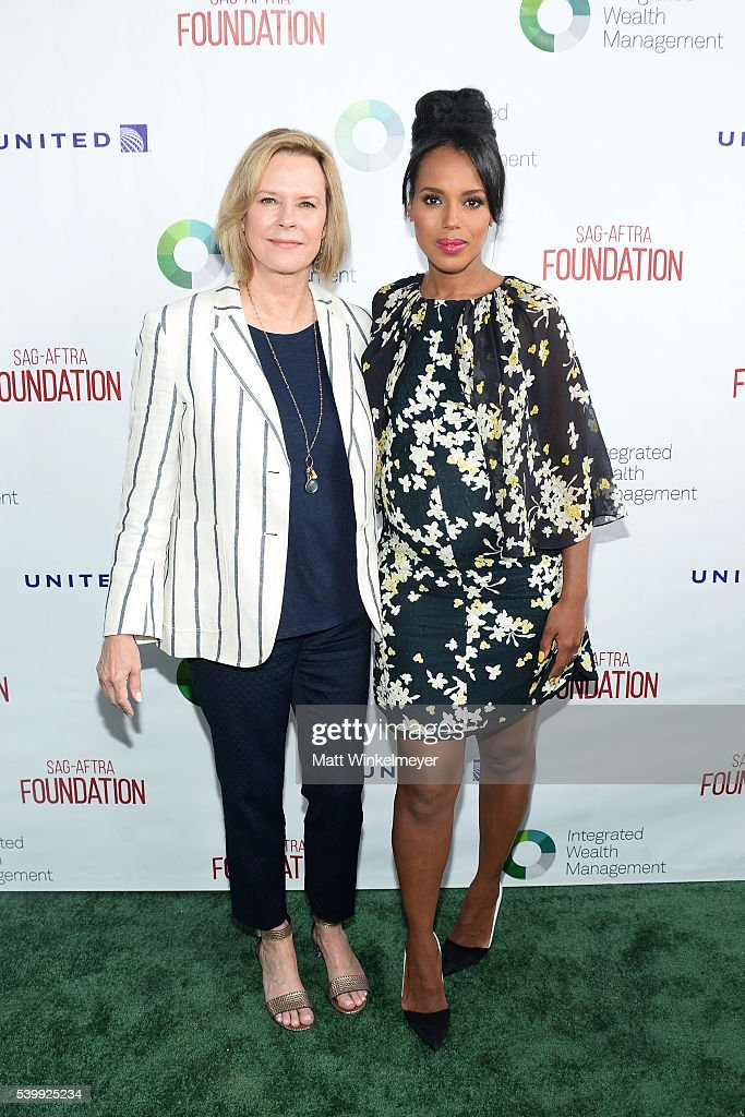President, SAG-AFTRA Foundation JoBeth WIlliams (L) and actress/Actors Inspiration Award Recipient Kerry Washington arrive at SAG-AFTRA Foundation 7th annual L.A. Golf Classic Fundraiser on June 13, 2016 in Burbank, California.