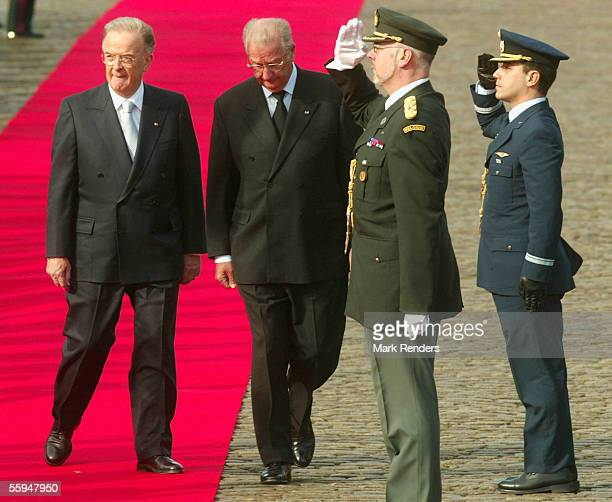 President Sampaio and King Albert assist the official welcome ceremony at the Place Des Palais on October 18 2005 in Brussels The President of the...