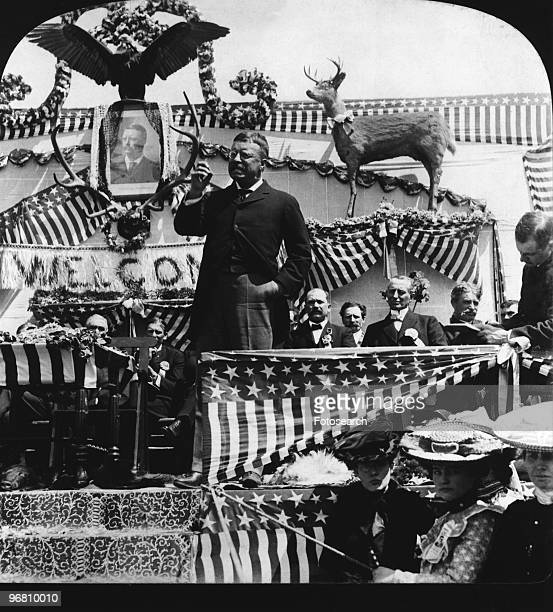 President Theodore Roosevelt addressing a crowd of people circa 1903