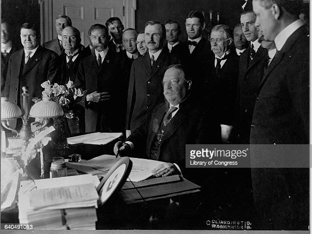 President William H Taft signing New Mexico and Arizona into Statehood 1912