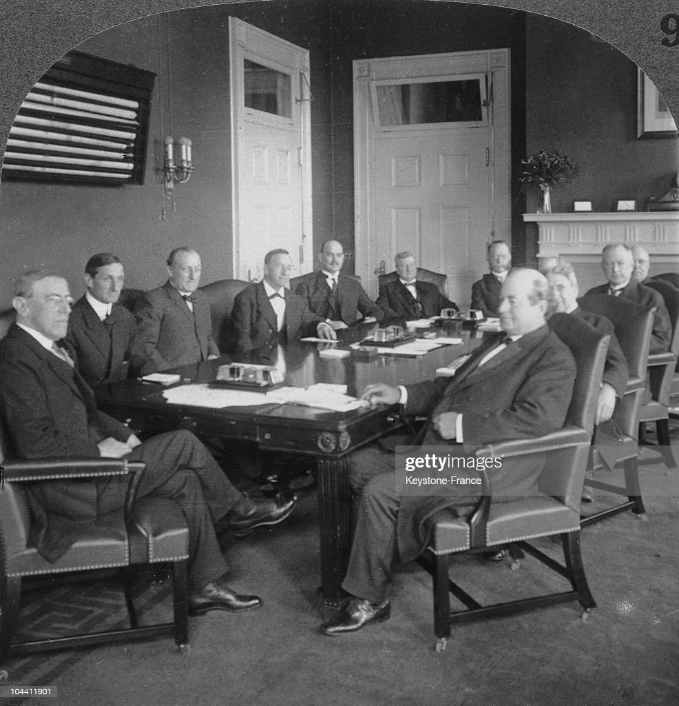 President WILSON with his cabinet just before the outbreak of the World War I in April 1917. Next to President WILSON on the left sits William MCADOO, secretary of the Treasury. Then James MCREYNOLDS, Attorney General ; Josephus DANIELS, Secretary of the Navy ; David F. HOUSTON, Agriculture ; William B. WILSON, Labor; William C. REDFIELD, Commerce; Franklin K. LANE, the Interior; Albert S. BURLESON, Postmaster General; Lindley M. GARRISON, Secretary of War and in the place of honor at the right of the President, William J. BRYAN, Secretary of State.
