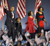 Presidentelect barack obama appears on stage with his family members picture id83564602?s=170x170