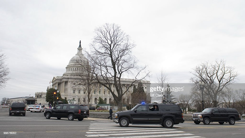 President-elect Barack Obama arrives in his motorcade at the U.S. Capitol on Monday, Jan. 5, 2009, for a meeting with Congressional leaders to discuss economic recovery plans.