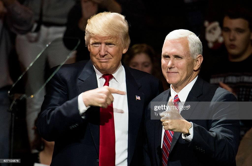 President-Elect Donald Trump And Vice President Elect Pence Hold Election Victory Rally In Ohio : ニュース写真