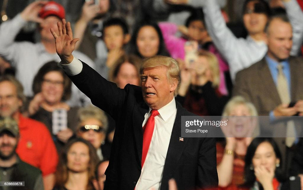 Donald Trump And Mike Pence Continue USA Thank You Tour 2016 In Des Moines : News Photo