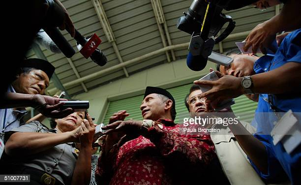 Presidential candidate Amien Rais talks to reporters campaigns at the Jakarta Stock Exchange June 29 2004 in Jakarta Indonesia Candidates have...