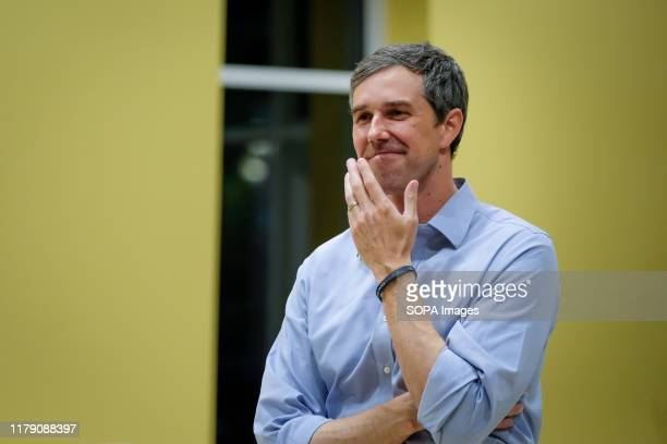 Presidential candidate Beto O'Rourke listen to the people as he discusses gun violence in Newtown. Taking a short break from campaigning, Beto...
