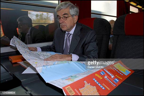 presidential candidate Jean Pierre Chevenement campaigns Limoges In France On November 16 2001 In the train to Limoges