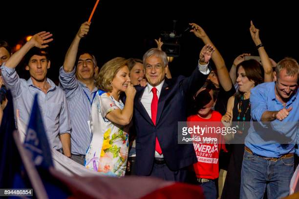 Presidential candidate Sebastian Piñera celebrates after winning the second round of the presidential elections in Chile on December 17 2017 in...