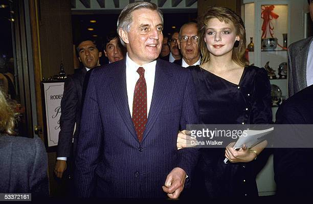 Presidential candidate Walter Mondale with his daughter Eleanor at fundraising dinner