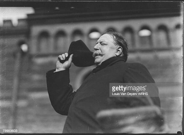 Presidential candidate William Howard Taft make a last minute campaign appearance in Cleveland Taft spoke to 10000 supporters at the Central Armory