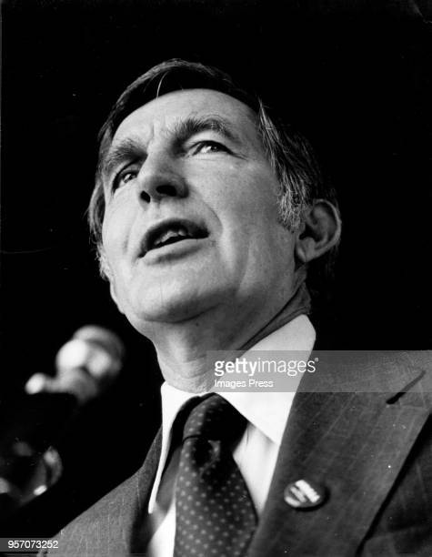 Presidential Democratic candidate Mo Udall speaks in New Jersey circa 1976
