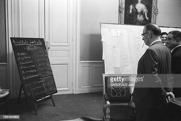 To Georges Pompidou At Matignon For The Results Of The First Round France Paris 5 Décembre 1965 premier tour des élections présidentielles 5...