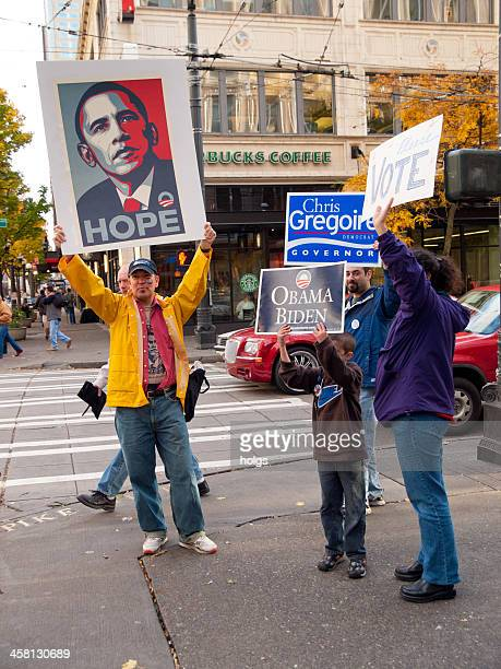 2008 presidential elections - obama supporters - barack obama washington state stock pictures, royalty-free photos & images