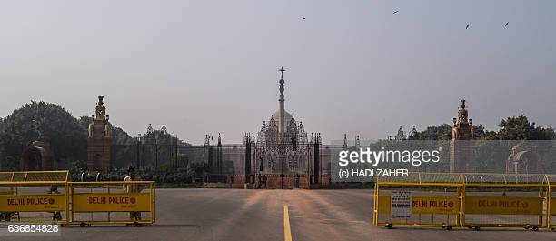 presidential palace | delhi | india - rashtrapati bhavan presidential palace stock pictures, royalty-free photos & images