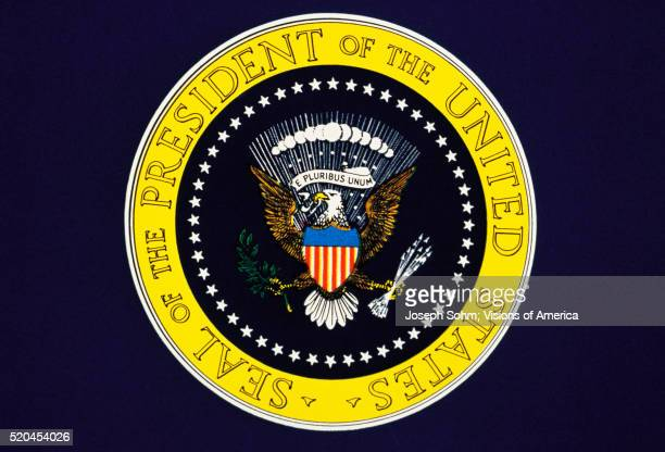 presidential seal of the united states - presidential seal stock pictures, royalty-free photos & images