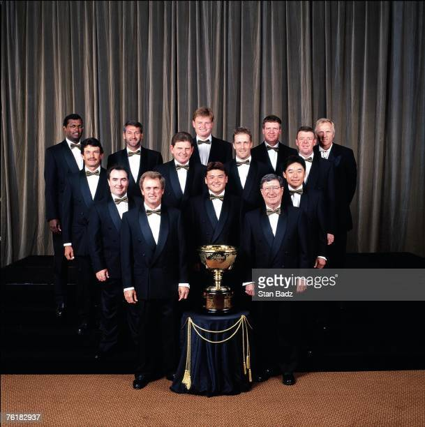 Presidents Cup Formal Portrait International Team during the 1998 Presidents Cup on December 1113 1998 at Royal Melbourne GC in Melbourne Victoria...