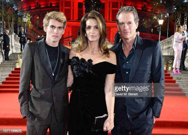 Presley Gerber Cindy Crawford and Rande Gerber arrive at The Fashion Awards 2018 in partnership with Swarovski at the Royal Albert Hall on December...