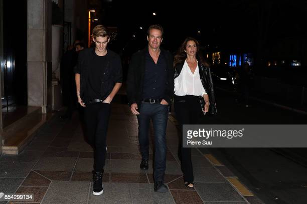 Presley Walker GerberRande Gerber and Cindy Crawford are seen strolling on September 26 2017 in Paris France