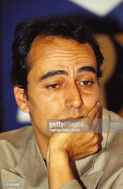 Press conference A2 FR3 at 'Le Grand Terrain De Sport Du Monde' in Paris France on May 13 1992Didier Roustan