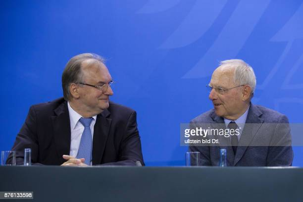 Press conference by German Chancellor Angela_Merkel Federal Minister of Finance Wolfgang Schäuble Minister President of MecklenburgVorpommern...
