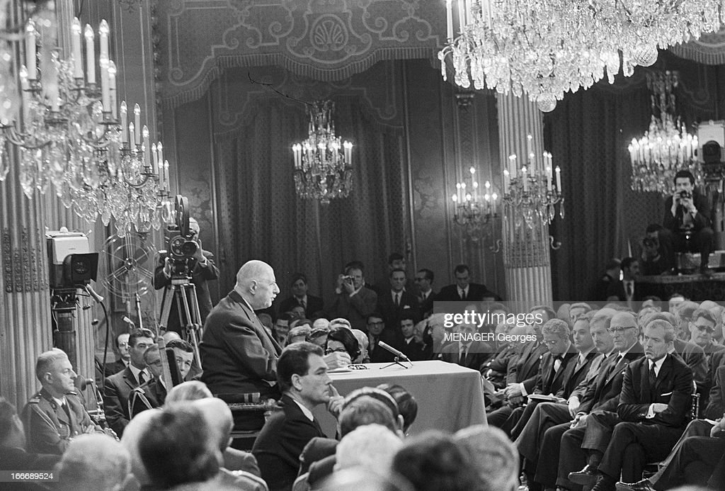 https://media.gettyimages.com/photos/press-conference-of-president-charles-de-gaulle-in-1967-paris-27-picture-id166689524