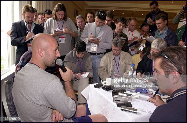 Press conference of Zidane and Barthez after the match France defeats Spain 21 in the Euro 2000 in Belgium on June 26 2000 Fabien Barthez
