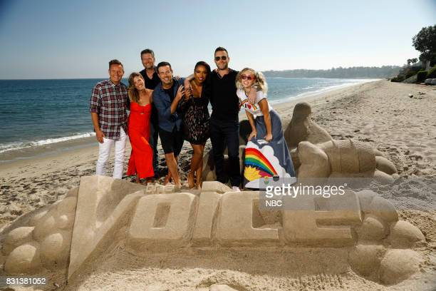 THE VOICE Press Junket Executive producer Mark Burnett left Siri Daly Blake Shelton Carson Daly Jennifer Hudson Adam Levine and Miley Cyrus enjoy a...