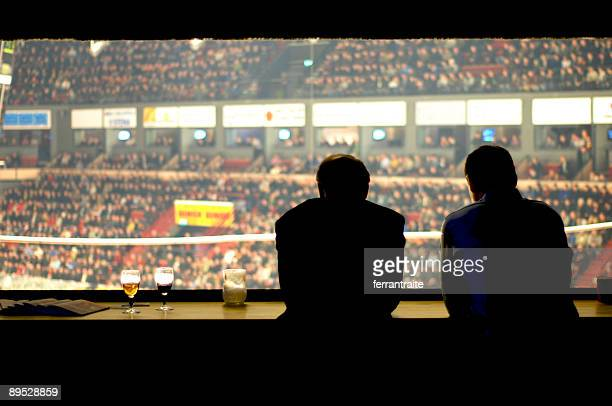 press room - commentator stock pictures, royalty-free photos & images