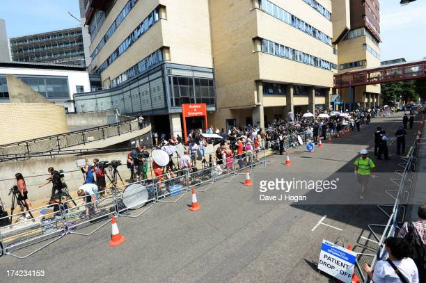 Press wait outside St Marys Hospital as Catherine, the Duchess of Cambridge goes into labour at St Mary's Hospital on July 22, 2013 in London,...