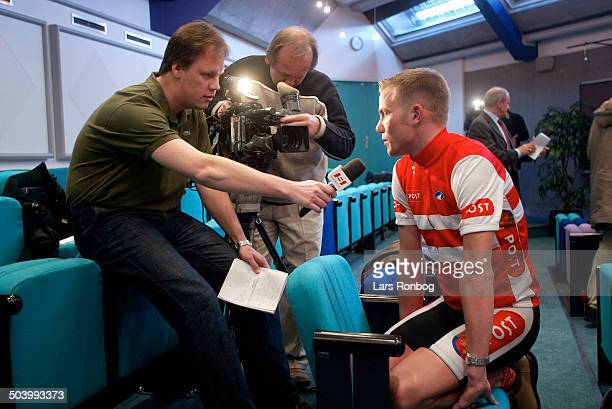 Pressemoede Team Post Danmark Brian Vandborg Herning CK interwieves af DR Sportens journalist Dennis Ritter og fotograf Niels Westh