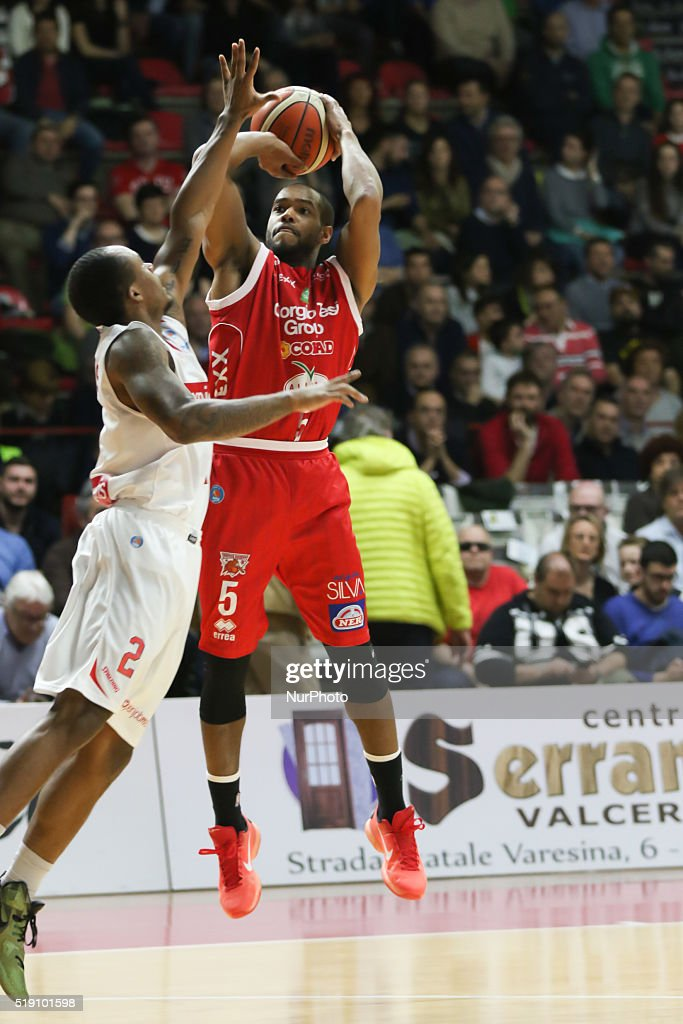 Preston Knowles in action during the LegaBasket match between Openjobmetis Varese vs Pistoia at Palasport Masnago on April 3, 2016 in Varese, Italy. Openjobmetis Varese won 91 to 78.