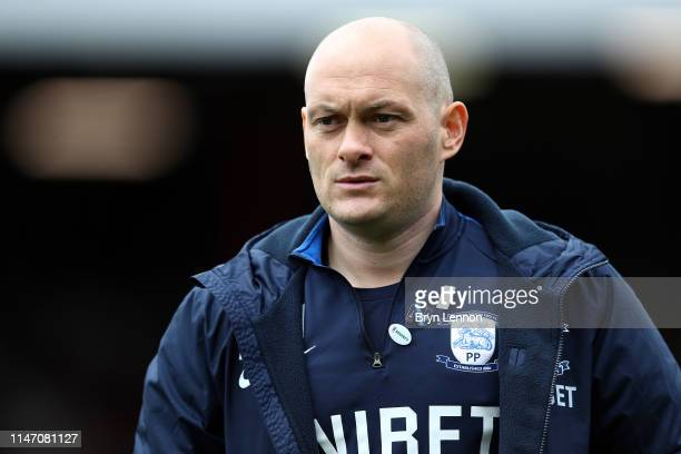 Preston Manager Alex Neil looks on prior to the Sky Bet Championship match between Brentford and Preston North End at Griffin Park on May 05 2019 in...