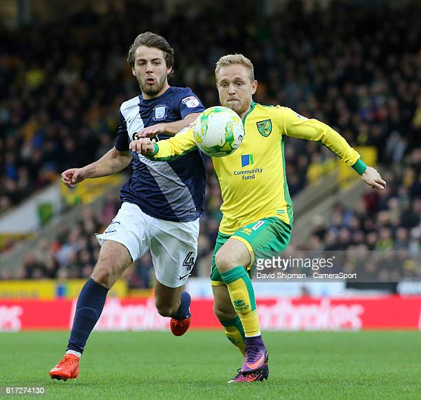 Preston North End's Ben Pearson battles with Norwich City's Alex Pritchard during the Sky Bet Championship match between Norwich City and Preston...