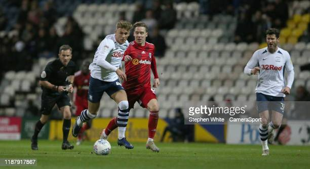 Preston North End's Brad Potts and Fulham's Stefan Johansen during the Sky Bet Championship match between Preston North End and Fulham at Deepdale on...