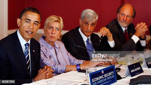 Presumed Democratic presidential candidate Sen Barack Obama meets with some of his top economic advisors including SEIU SecretaryTreasurer Anna...