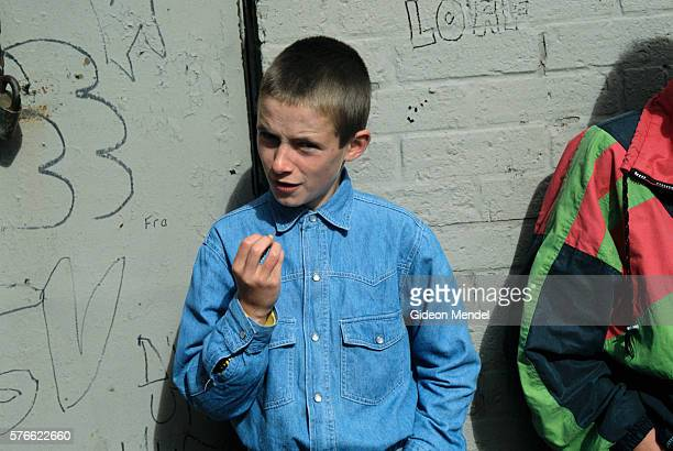 pre-teen boy in northern ireland - falls road stock pictures, royalty-free photos & images