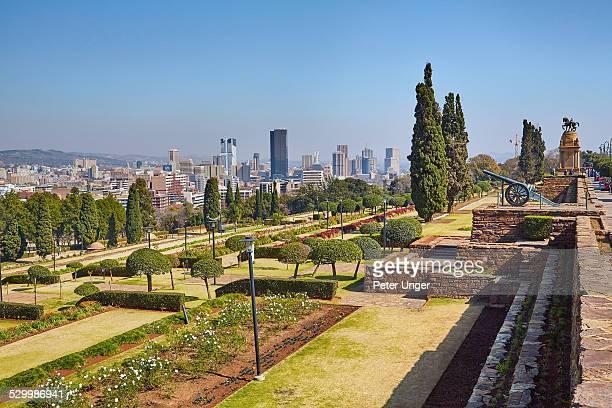 pretoria city skyline and parklands - pretoria stock pictures, royalty-free photos & images